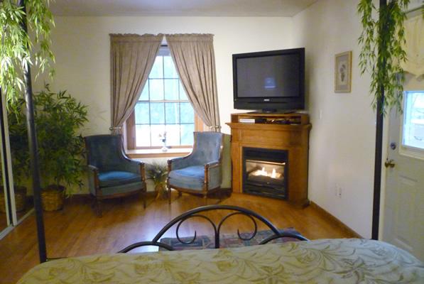 g-sitting-area-suite